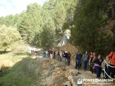 Ruta senderismo en el Cañón de Río Lobos; lugares para visitar en madrid; pantalones de montaña